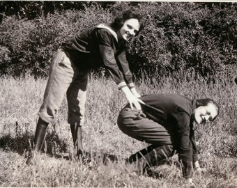 vintage photo women play leap frog