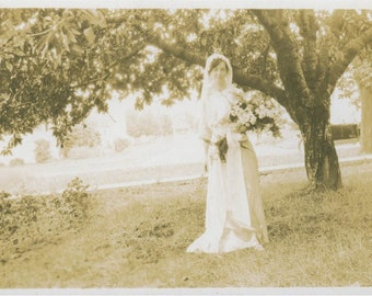 Country Bride Wedding Gown flower Bouquet vintage photo
