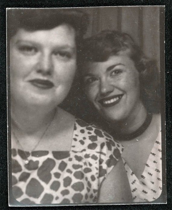 vintage photo Photo booth Barbara Flemming & Girlfriend photobooth