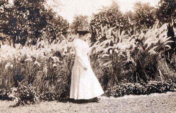 vintage photo 1911 Contemplation in the Garden