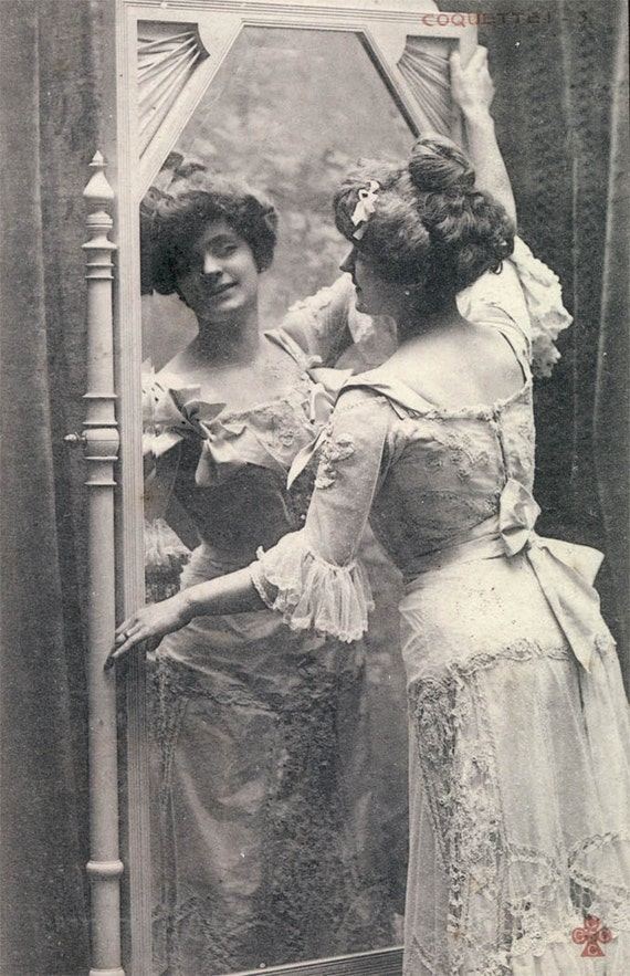 vintage photo Carte Postale Woman Paris looks in mirror Coquette 1904