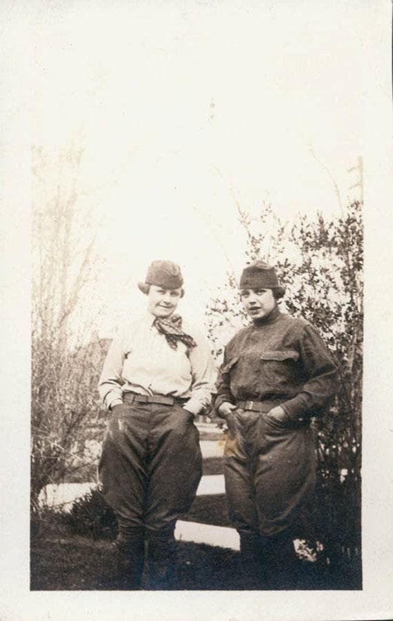 vintage photo WW1 Female Soldiers in Uniform 1917