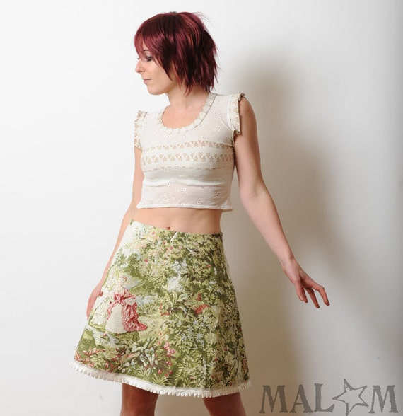 Floral short skirt in vintage French toile fabric - Spring fashion - green, red, white