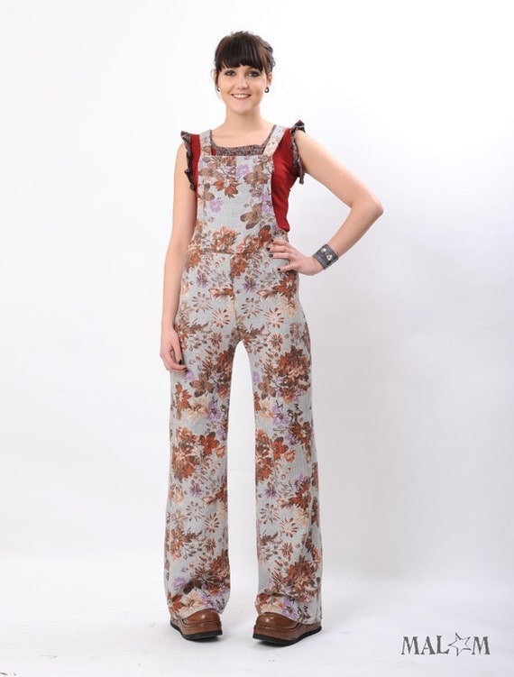 Fitted and Flared Slacks in floral grey - size S