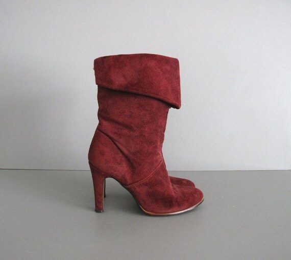 sale....1970s vintage CURRENT RED suede leather boots 7