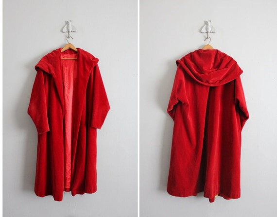 sale / 1930s vintage red velvet hooded coat