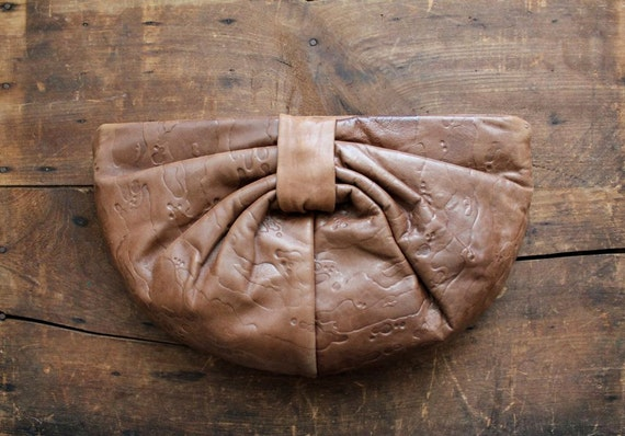 1970s vintage Letisse leather bow clutch