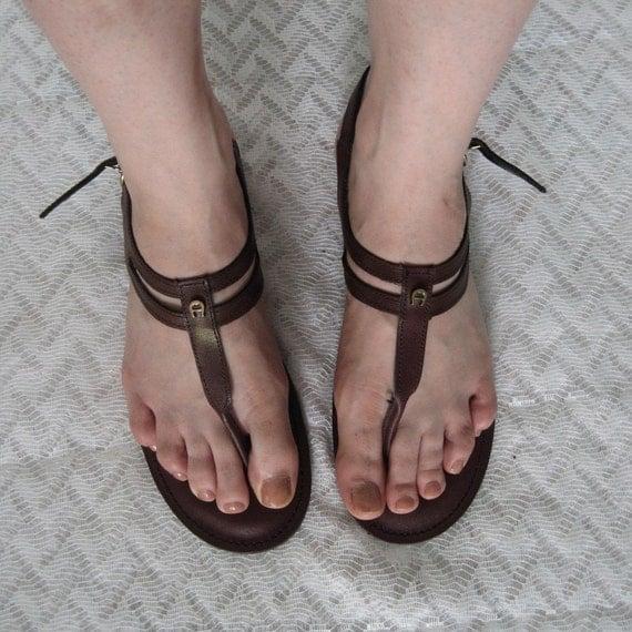 Vintage Etienne Aigner Thong Gladiator Sandals Size 9