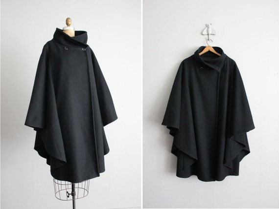 oh hold / vintage black wool winged cape