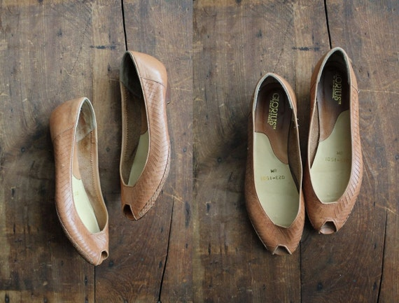 vintage tan woven leather peep toes / size 8