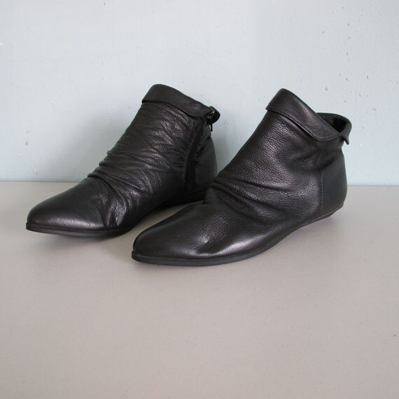 vintage PIXIE booties