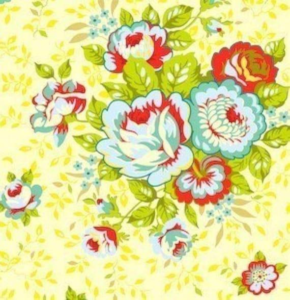 Heather Bailey Pop Garden Rose Bouquet in Yellow Fat Quarter
