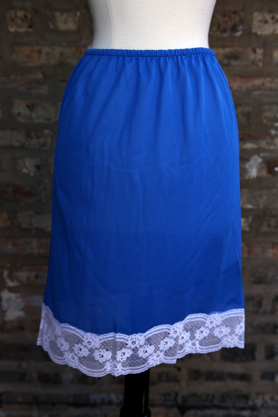 Vintage Blue Regency Lingerie Half Slip - Medium