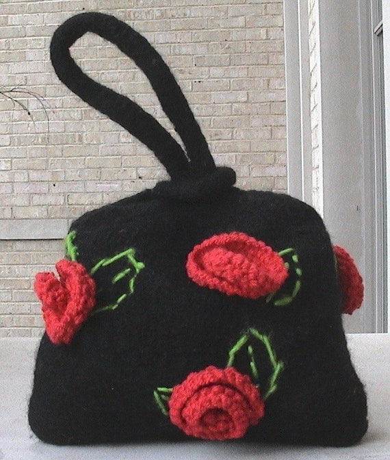 Round Robin Bag Roses at Midnight Wristlet KNITTING PATTERN