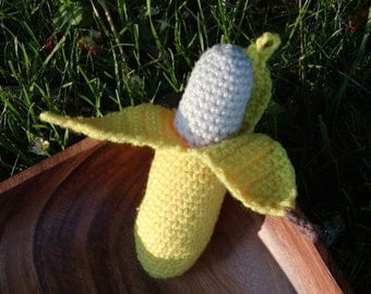 Crocheted Peelable Banana Amigurumi---PDF--PATTERN