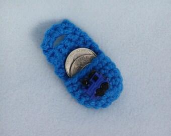 Crochet keychain Coin Cozy, coin holder, coin pouch, mini purse, coin purse, ring holder  - Blue train