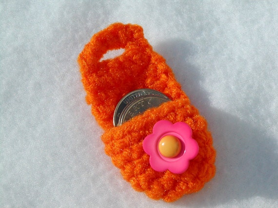 Crochet Quarter Keeper : Crochet keychain Coin Cozy, coin holder, coin pouch, mini purse, coin ...