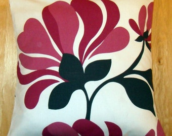 "16"" x 16"" cushion cover - purple magnolia on cream"