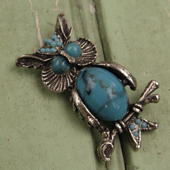 Faux Turquoise Vintage Owl Brooch