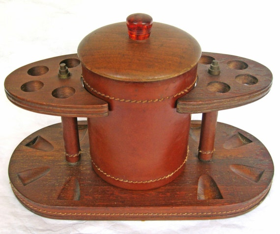 1950s VINTAGE DUK-IT McDONALD WALNUT and LEATHER PIPE RACK HUMIDOR Mint Condition - PRICE JUST REDUCED