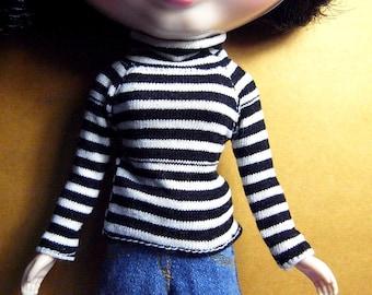 Blythe black and white stripe long neck t-shirt