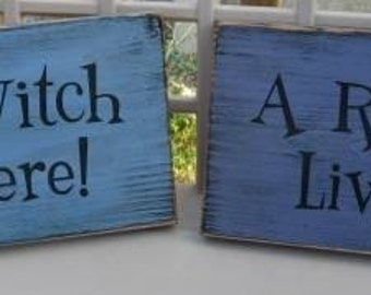 A Real Witch Lives Here Primitive Wood Sign Halloween WICCAN Plaque handpainted Custom Color Spooky Wall Hanging home decor folk art country