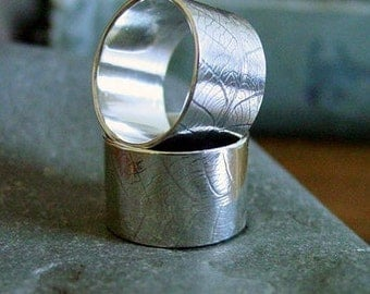 10mm WIDE Leaf Pattern Sterling Silver Band - ANY SIZE - Creative Mode