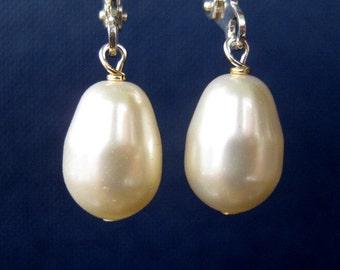 Ivory Pearl Earrings, Silver Earrings, Cream Pearl Teardrop Bridal Earrings, Handmade, Plump Pearl