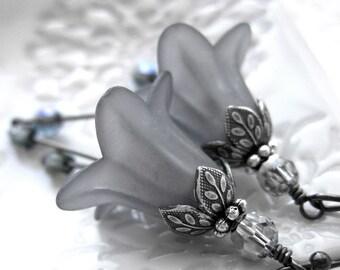 Slate Grey Flower Earrings - Romantic Gray Flowers, Garden Wedding Jewelry, Bridesmaid Earrings, Vintage Style Wedding Jewelry