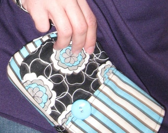 PDF SEWING PATTERN - Curvy Wristlet - fast and easy to sew wristlet wallet - Instant Download