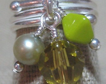 Free Sipping in the US- Green with Envy Cluster Dangle Ring - R138