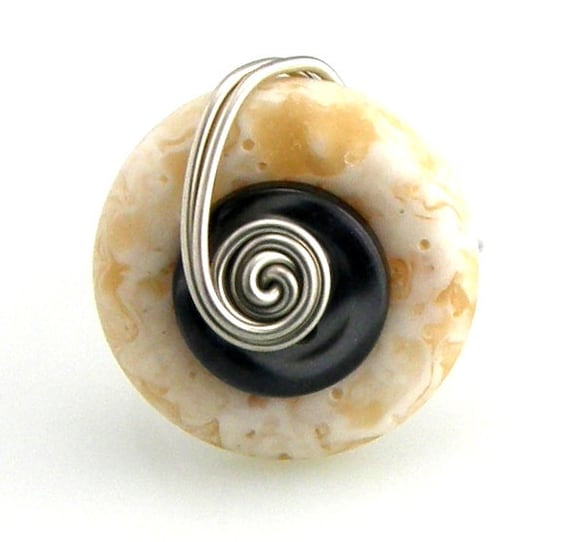 Wire Wrap Button Ring Marbled Cream and Charcoal Grey