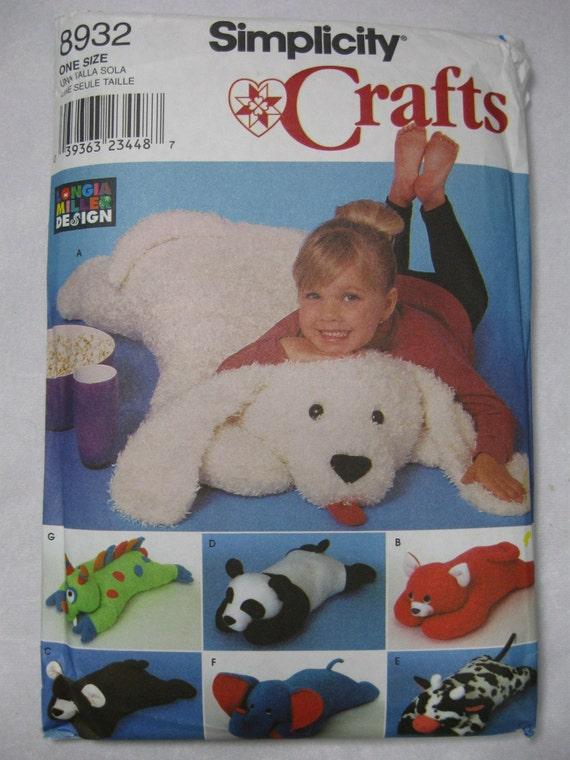 Animal Body Pillow Pattern : SIMPLICITY PATTERN CRAFTS STUFFED BEAR RUG PILLOW BODY 8932