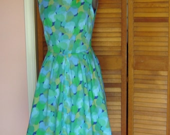 20% off  saleRetro cotton voile dress / finished bust 37""