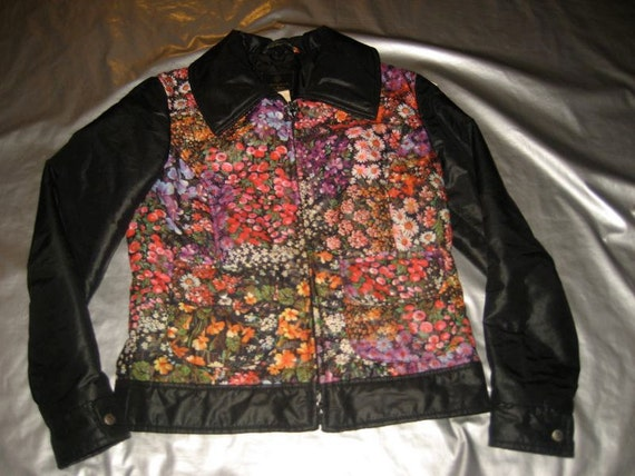 Edelweiss Women's Vintage Ski Jacket 1970's Size Small/Medium Floral Print Insulated Adorable