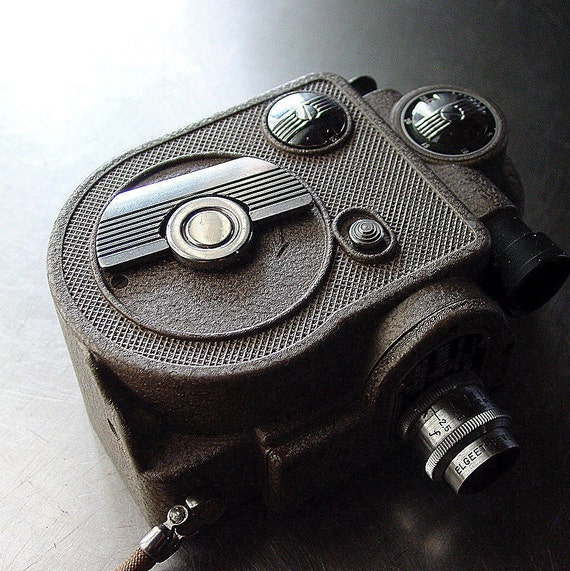 Revere Eight Model 88 Movie Camera-Vintage-  8mm
