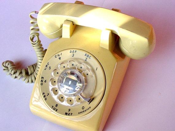 Retro Tan Dial Desk Phone, 1970s Retro Vintage Analog Stromberg Telephone