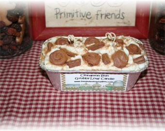 Cinnamon Bun Grubby Loaf Candle