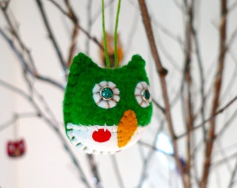 Owl Ornament Made to Order, baby's first birthday owl party favors, mini owl ornament,  tyni owl ornament, personalized owl ornament