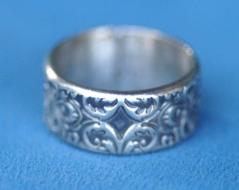 Ring - Silver - Narrow Andalusian   Sizes 9 to 10 1/2   -  Made to Order