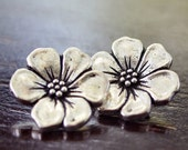 Apple Blossom TierraCast Pewter 16mm Antique Silver Button : 2  pc