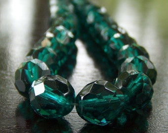 Emerald Green 10mm Czech Glass Bead Faceted FP Round : 12 pc