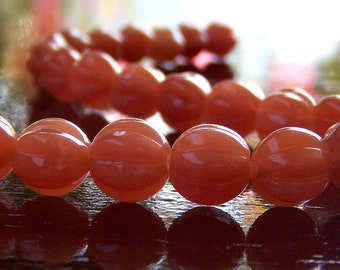 Milky Caramel Czech Glass Bead 8mm Melon Round : 25 pc
