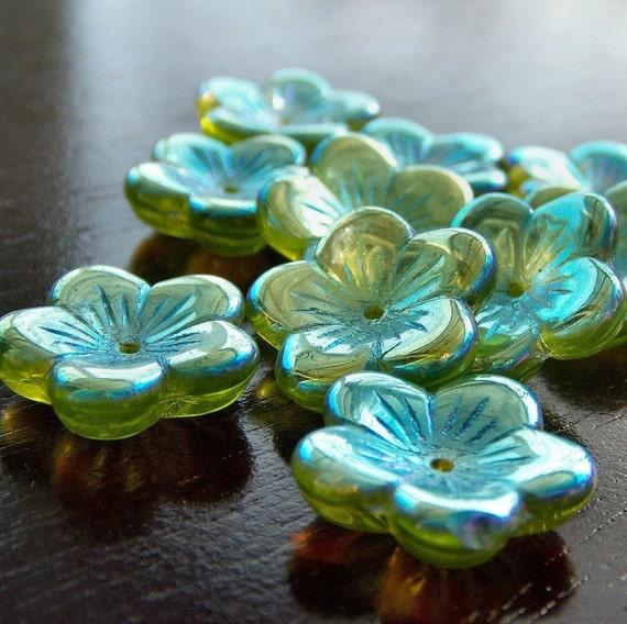 Czech Glass Bead Olivine AB 16mm Flower : 10 pc Large Green Flower