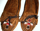 MinneTonka Shoes Beaded Brown Suede Leather Moccasins