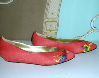 Vintage 80s Embroidered  Wedge Shoes Deep Pink Pointy Toe  Flats Sz 7
