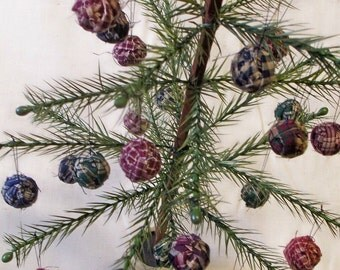 Vintage Rag Balls Homespun Miniature Primitive Bowl Fillers Christmas Vintage Feather Tree Ornaments