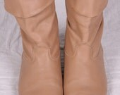 vintage DINGO 1980s Tan Gold Tip slouch ankle flat heel boots sz 8 1/2 (13)