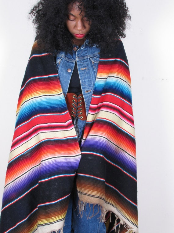 vintage 70s AmAZiNg MexICaN NaVaJo eTHnIC WoOl FrInGE BlAnKeT PoNcHo sWeATeR ShAwL CaPe sm med lg