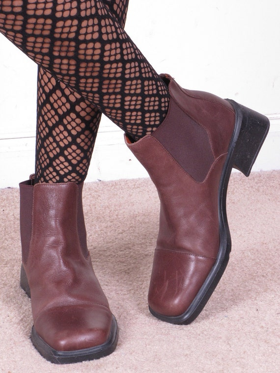 vintage 90s square toe AEROSOLES chelsea elastic side panel brown leather ankle boots sz womens 8.5